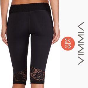 NWT Vimmia Lace Panel Black Capri Yoga Pants, Med